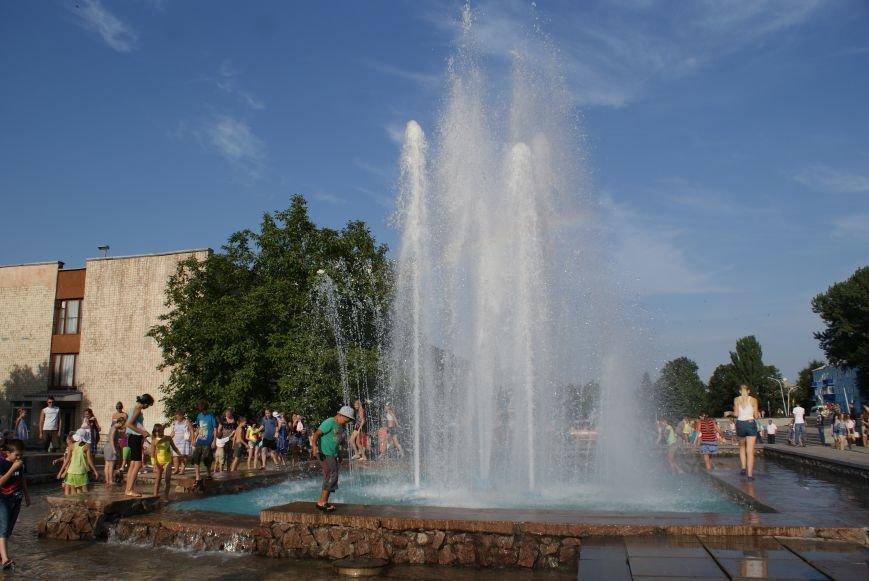 В Южном районе Каменского запустили фонтан с новой зоной отдыха, фото-3