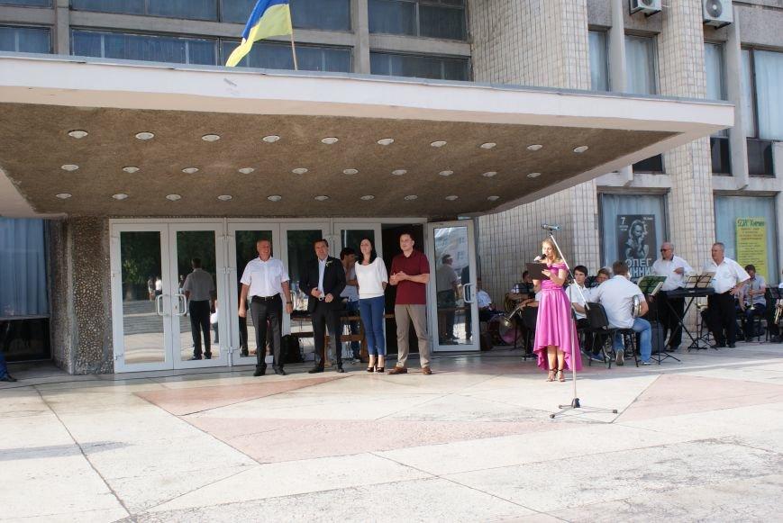В Южном районе Каменского запустили фонтан с новой зоной отдыха, фото-1