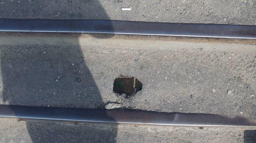 Пешеходный мост в Мелитополе рушится на глазах, фото-14