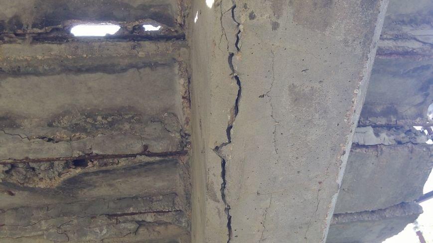 Пешеходный мост в Мелитополе рушится на глазах, фото-20