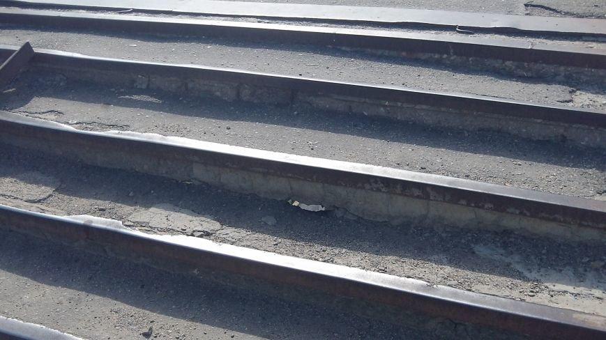 Пешеходный мост в Мелитополе рушится на глазах, фото-8