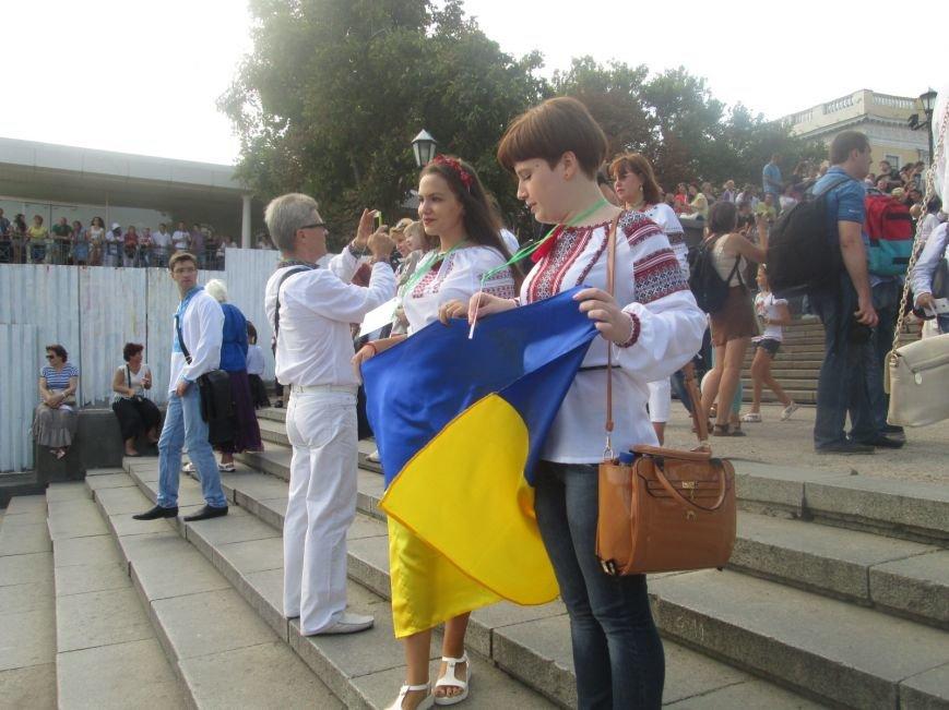 В Одессе на Потемкинской лестнице собралось рекордное количество украинцев в вишиванках (ФОТО, ВИДЕО), фото-5