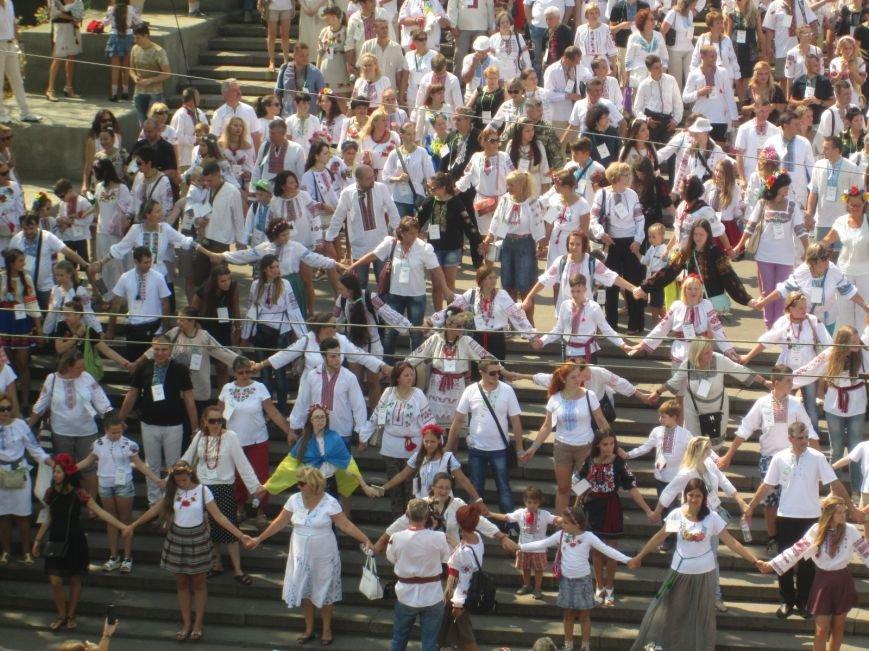 В Одессе на Потемкинской лестнице собралось рекордное количество украинцев в вишиванках (ФОТО, ВИДЕО), фото-19