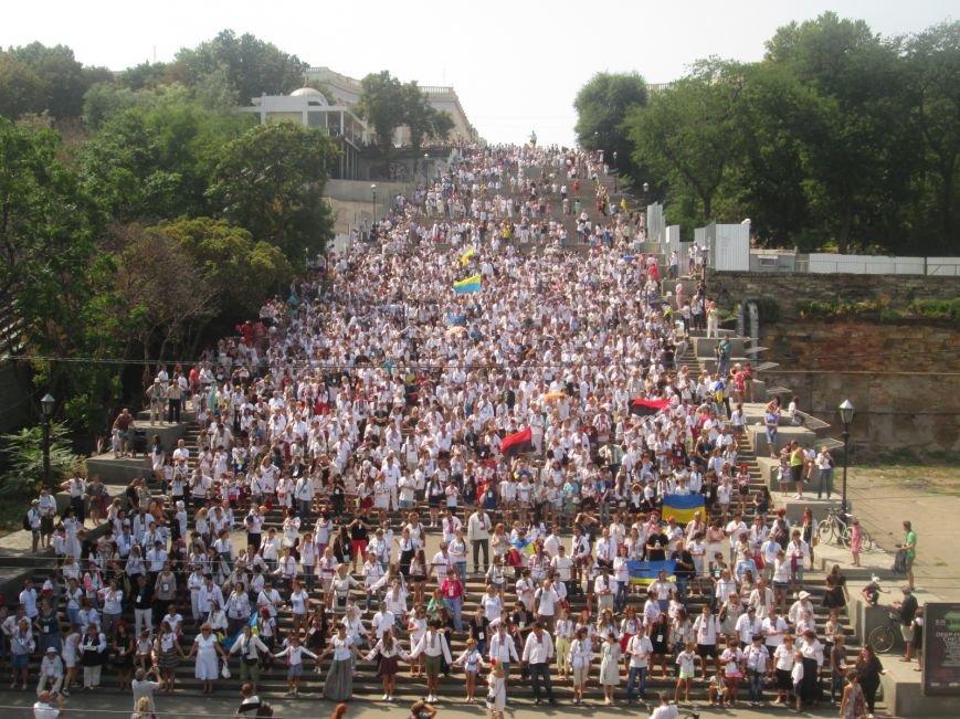 В Одессе на Потемкинской лестнице собралось рекордное количество украинцев в вишиванках (ФОТО, ВИДЕО), фото-21