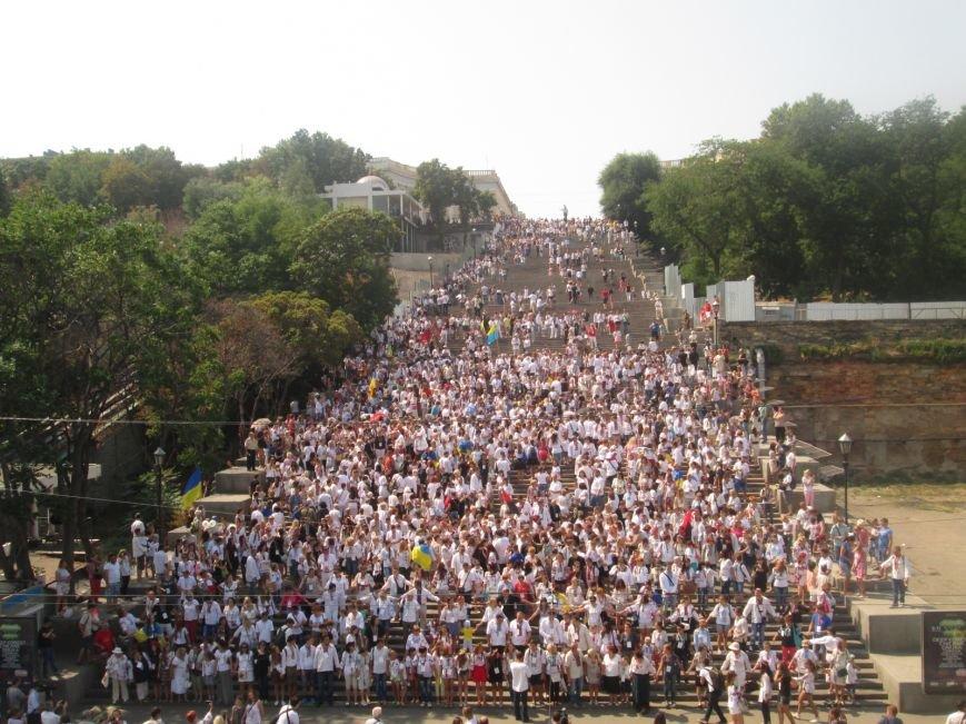 В Одессе на Потемкинской лестнице собралось рекордное количество украинцев в вишиванках (ФОТО, ВИДЕО), фото-18