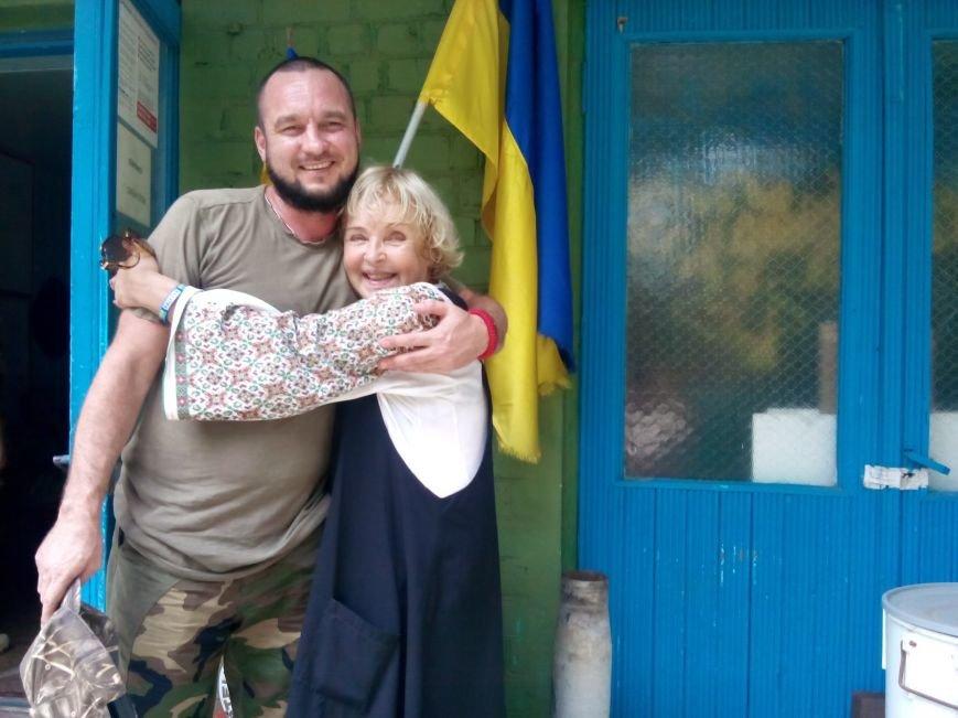 Криворожане в добробате отметили День независимости с Адой Роговцевой (ФОТО), фото-3