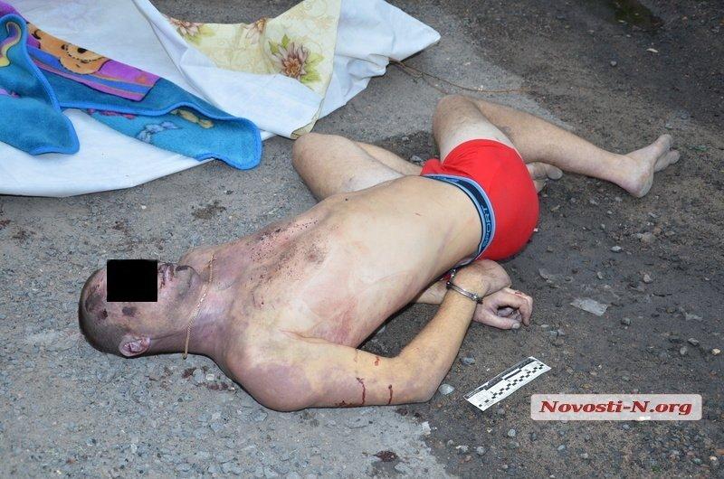 На Николаевщине полицейские насмерть забили мужчину на глазах у его родных (ФОТО 18+), фото-4