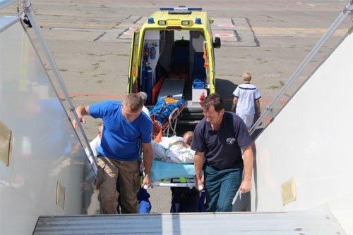 Из Симферополя в Москву спецбортом доставили тяжелобольную пациентку (ФОТО), фото-2