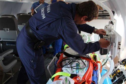 Из Симферополя в Москву спецбортом доставили тяжелобольную пациентку (ФОТО), фото-3