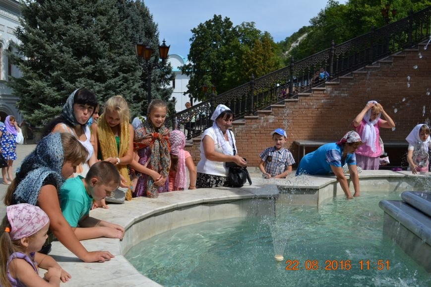 Воскресная школа посёлка Водянское посетила Святогорскую лавру, фото-1