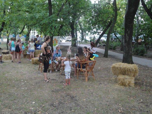 День независимости в Бердянске праздновали семьями, фото-2