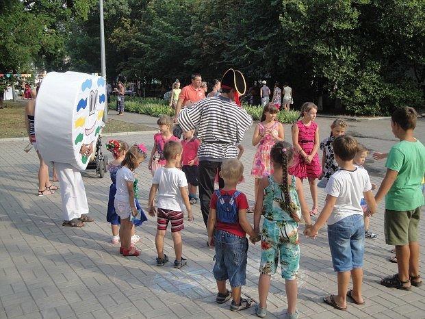 День независимости в Бердянске праздновали семьями, фото-4