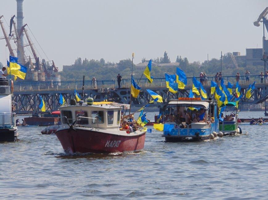 На День Независимости в Николаеве воды Южного Буга и Ингула заполнили 730 флагов Украины (ФОТОРЕПОРТАЖ), фото-1