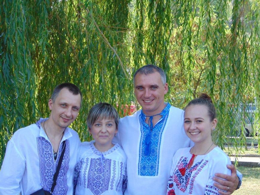 На День Независимости в Николаеве воды Южного Буга и Ингула заполнили 730 флагов Украины (ФОТОРЕПОРТАЖ), фото-4