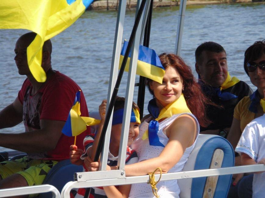 На День Независимости в Николаеве воды Южного Буга и Ингула заполнили 730 флагов Украины (ФОТОРЕПОРТАЖ), фото-7