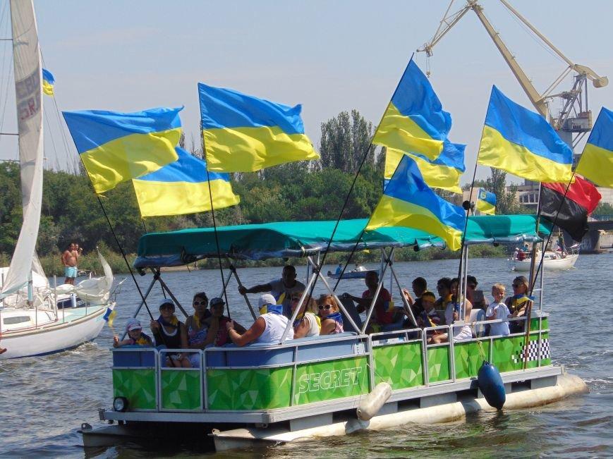 На День Независимости в Николаеве воды Южного Буга и Ингула заполнили 730 флагов Украины (ФОТОРЕПОРТАЖ), фото-6