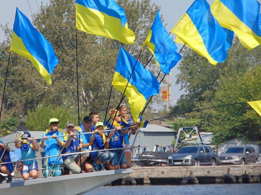 На День Независимости в Николаеве воды Южного Буга и Ингула заполнили 730 флагов Украины (ФОТОРЕПОРТАЖ), фото-9