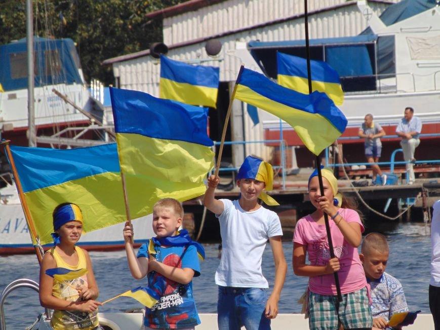 На День Независимости в Николаеве воды Южного Буга и Ингула заполнили 730 флагов Украины (ФОТОРЕПОРТАЖ), фото-3