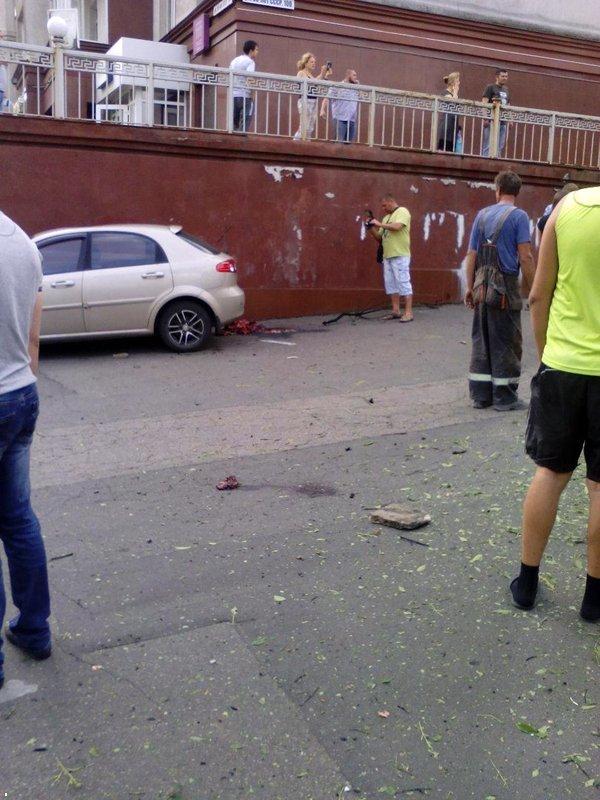 В результате страшного взрыва в центре Донецка погиб человек (ФОТО, ВИДЕО, 18+), фото-4