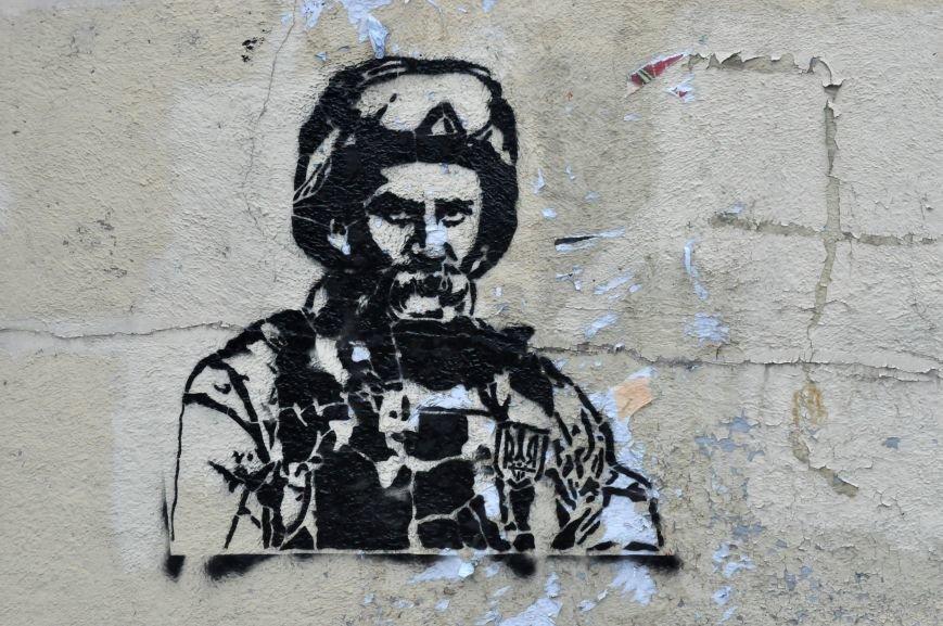 В Запорожье на декоммунизированной стеле изобразили Шевченко в форме бойца АТО, - ФОТОФАКТ, фото-3