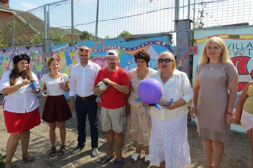 В Бердянске на микрорайоне Лиски открыли самый большой мурал в городе, фото-6