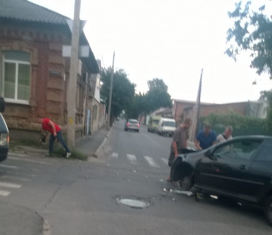 На перекрестке в Кропивницком произошло ДТП (ФОТО), фото-2