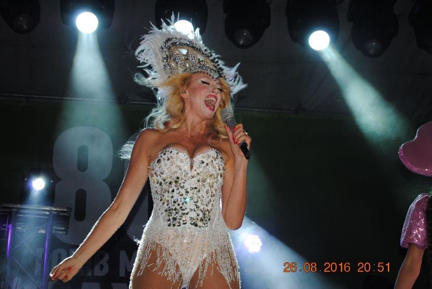 Главная блондинка страны поздравила Курахово с 80-летием, фото-5