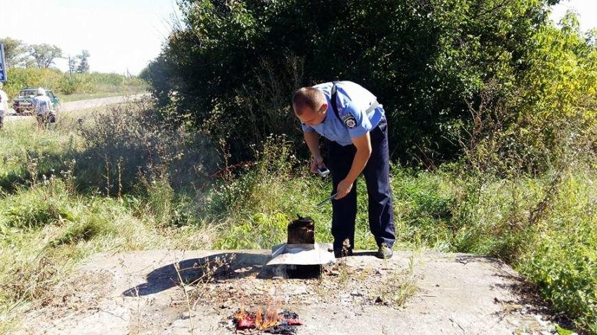 Мер Конотопа спалив російський прапор і пообіцяв стріляти окупантів (+відео), фото-4