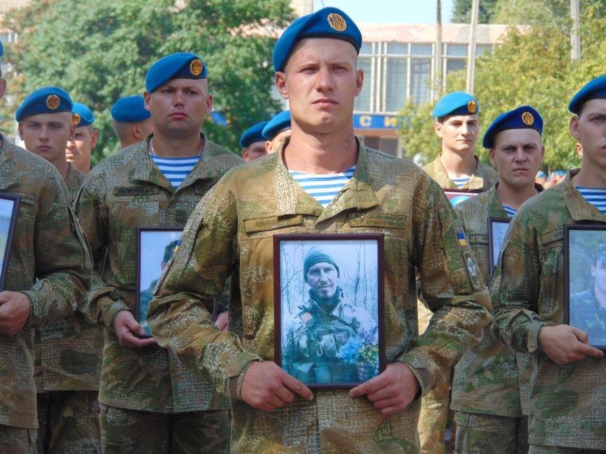 Тем, кто стоял насмерть: в Николаеве открыли памятник героям-десантникам (ФОТОРЕПОРТАЖ), фото-9