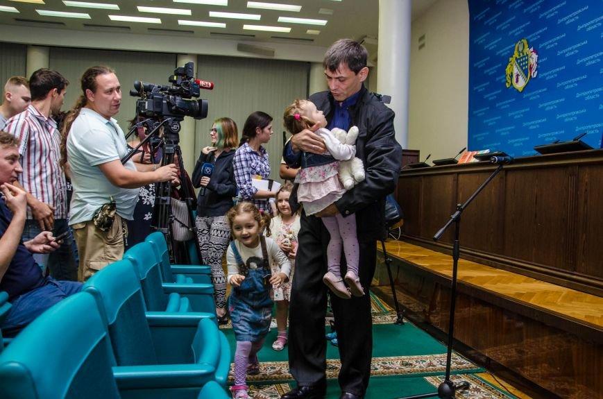 Сразу две книги об Иловайской трагедии презентовали в Днепропетровской ОГА (ФОТО), фото-5