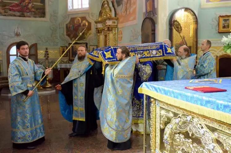 Православные криворожане празднуют Успение Пресвятой Богородицы (ФОТО), фото-3