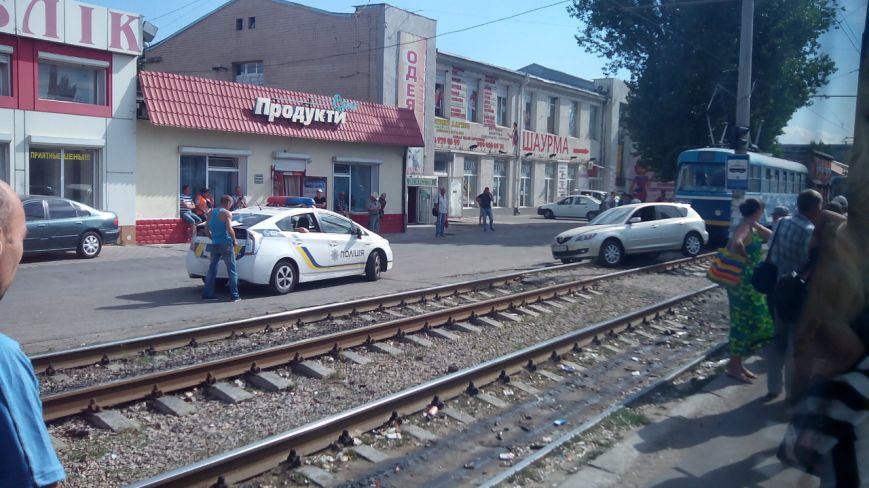 В Одессе во время ДТП иномарка вылетела на трамвайные рельсы (ФОТО), фото-1