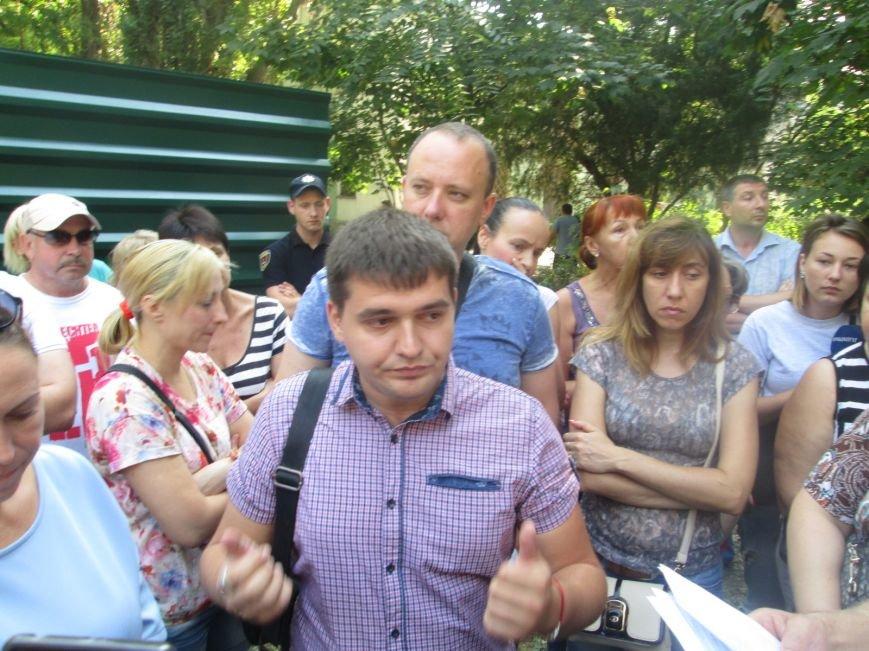 Жители одесских Черемушек сносили забор нахалстроя (ФОТО, ВИДЕО), фото-3