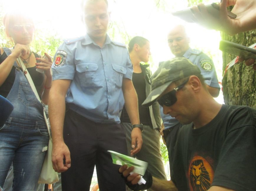 Жители одесских Черемушек сносили забор нахалстроя (ФОТО, ВИДЕО), фото-5
