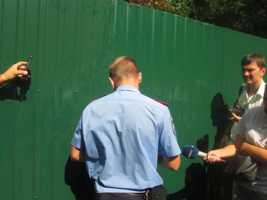 Жители одесских Черемушек сносили забор нахалстроя (ФОТО, ВИДЕО), фото-8