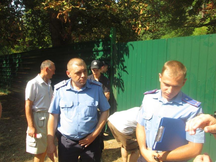 Жители одесских Черемушек сносили забор нахалстроя (ФОТО, ВИДЕО), фото-9