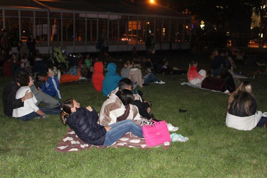 Сотни южносахалинцев смогли насладиться фильмами под открытым небом, фото-3