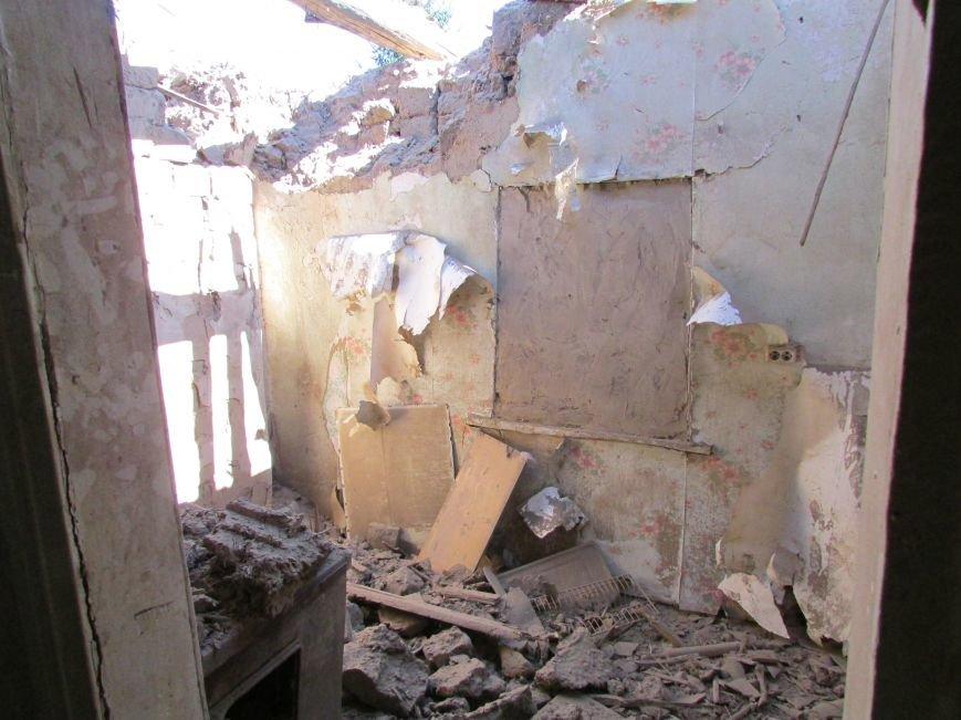 В результате ночного  обстрела в Авдеевке повреждены два дома (ФОТО), фото-6