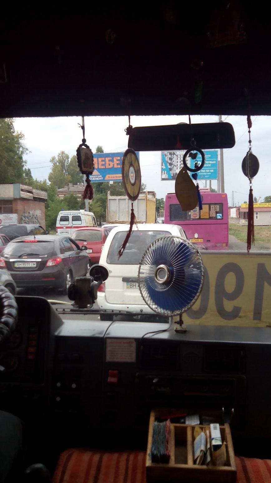 В Одесской пробке люди теряют сознание, фото-1