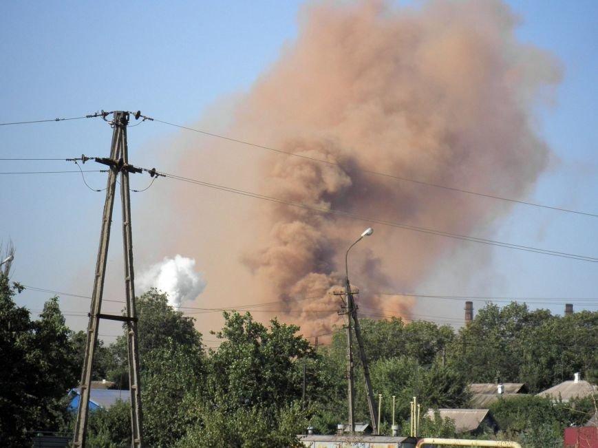 На бурый дым  в  Мариуполе обратил внимание генерал, а городские власти продолжают молчать (ФОТО+ВИДЕО), фото-4