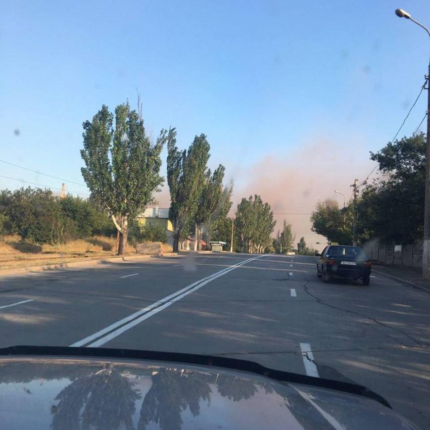 На бурый дым  в  Мариуполе обратил внимание генерал, а городские власти продолжают молчать (ФОТО+ВИДЕО), фото-2