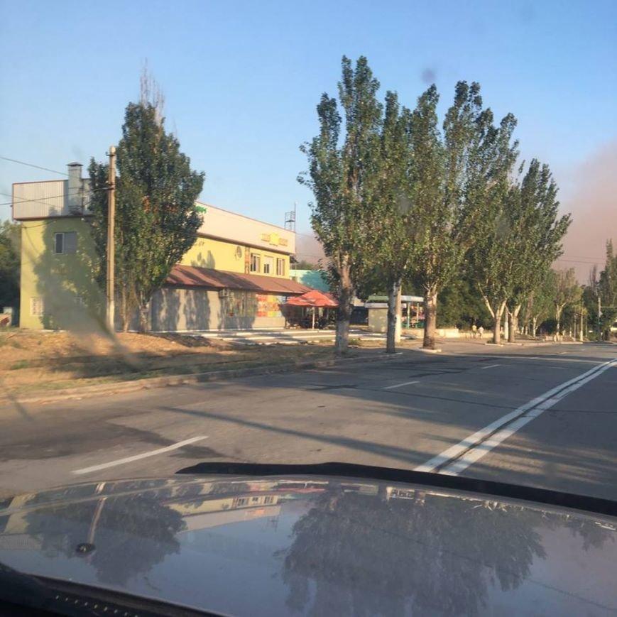 На бурый дым  в  Мариуполе обратил внимание генерал, а городские власти продолжают молчать (ФОТО+ВИДЕО), фото-1
