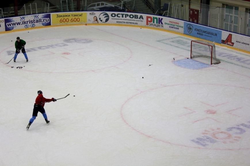 Сахалинский хоккейный клуб тепло принял новых спортсменов, фото-1
