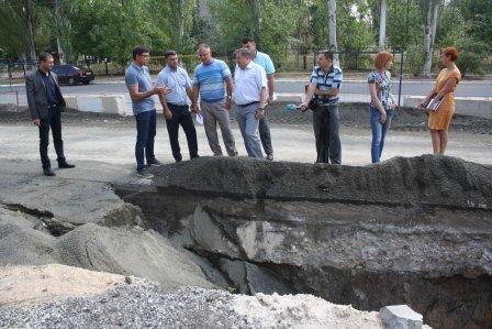 В Мариуполе кипит работа по ремонту коллектора на ул. Азовстальской, фото-5