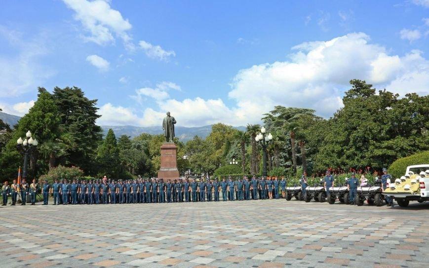Пожарно-спасательные подразделения ЮБК получили новую технику и экипировку на 300 млн руб, фото-3