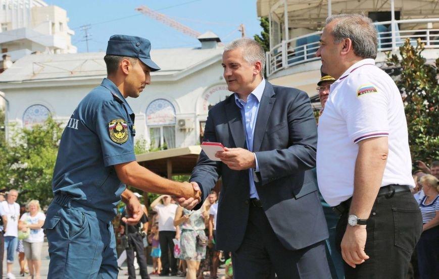 Пожарно-спасательные подразделения ЮБК получили новую технику и экипировку на 300 млн руб, фото-1