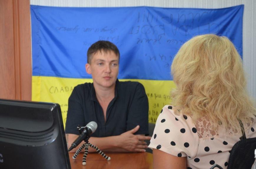 В Мариуполе Надежда Савченко рассказала, как плавала в ночном Азовском море (ФОТО+ВИДЕО), фото-3