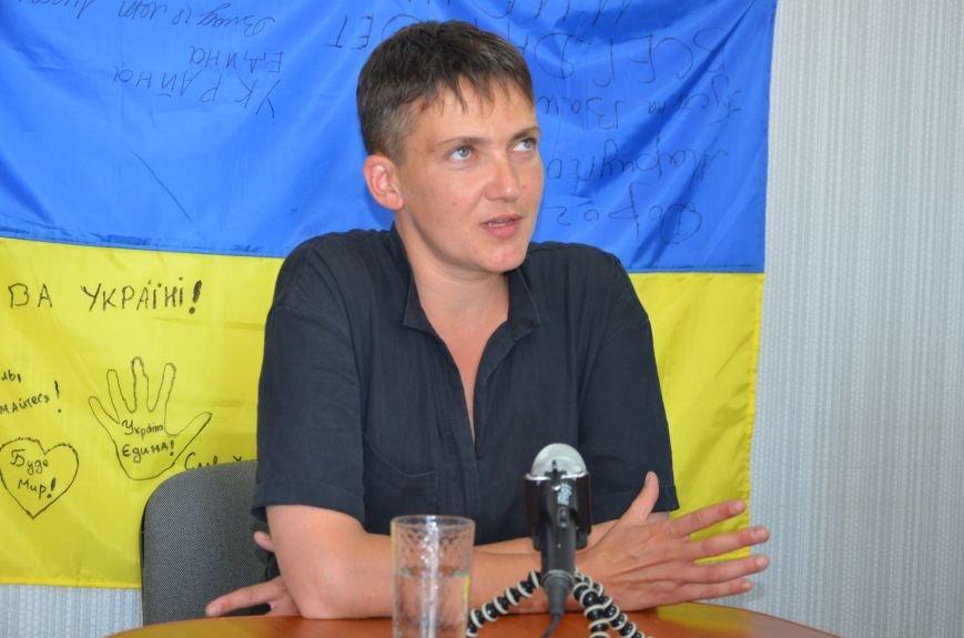 В Мариуполе Надежда Савченко рассказала, как плавала в ночном Азовском море (ФОТО+ВИДЕО), фото-1