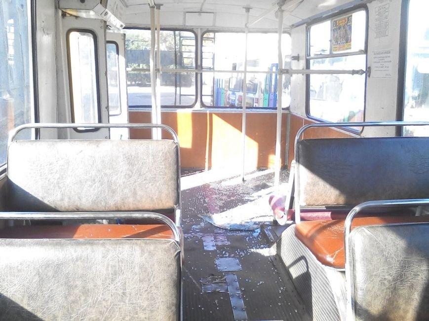 """В Кропивницком упавший от троллейбуса """"башмак"""" травмировал пассажира. ФОТО, фото-2"""