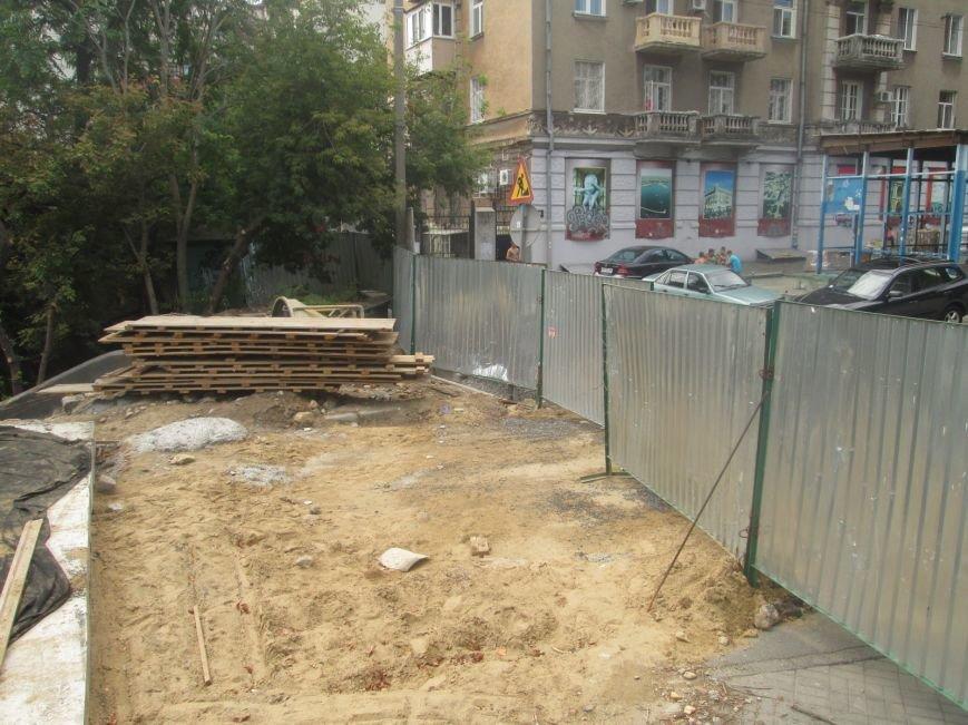 В центре Одессы рабочие «оголили» мост (ФОТО), фото-3